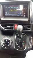 Toyota Voxy, 2014 год, 1 460 000 руб.