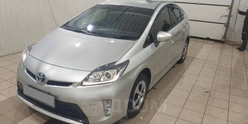 Toyota Prius, 2014 год, 890 000 руб.