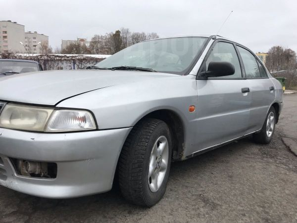 Mitsubishi Lancer, 1999 год, 85 000 руб.