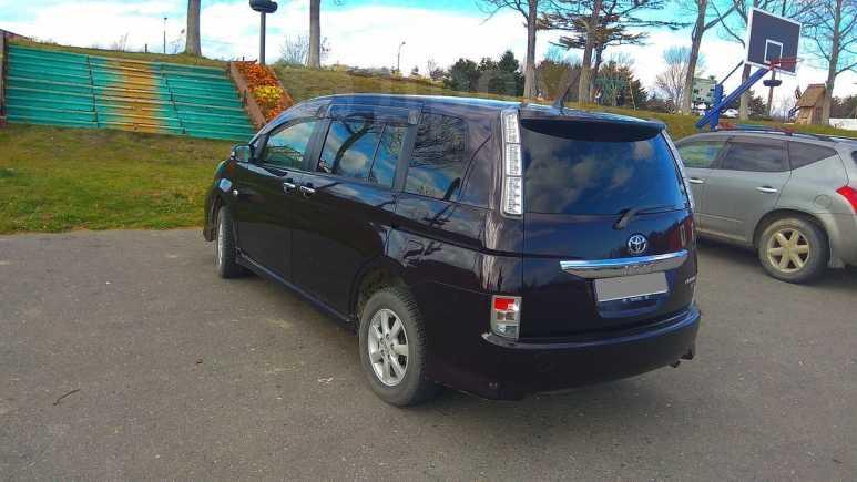 Toyota Isis, 2011 год, 850 000 руб.
