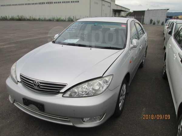 Toyota Camry, 2004 год, 289 000 руб.