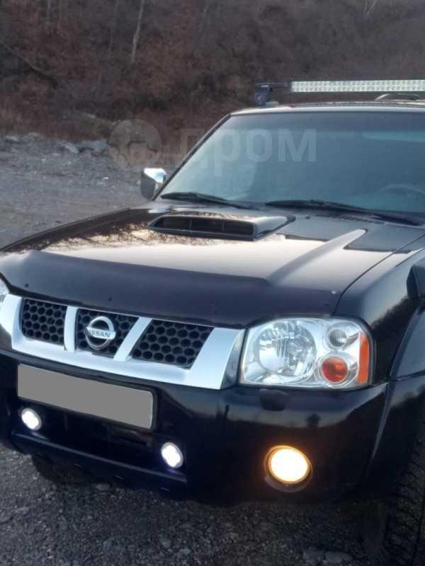 Nissan NP300, 2011 год, 830 000 руб.