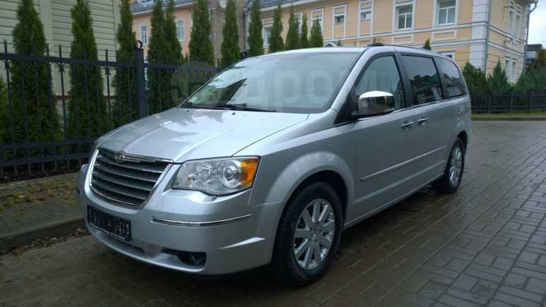 Chrysler Grand Voyager, 2010 год, 1 090 000 руб.
