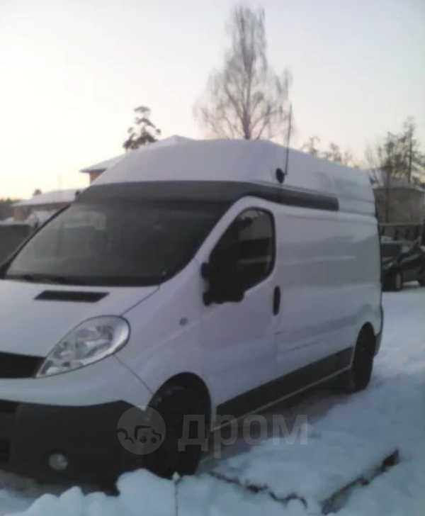 Renault Trafic, 2011 год, 900 000 руб.