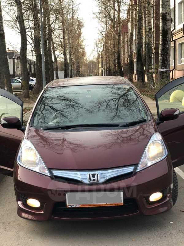 Honda Fit Shuttle, 2013 год, 665 000 руб.