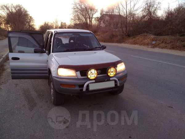 Toyota RAV4, 1996 год, 350 000 руб.