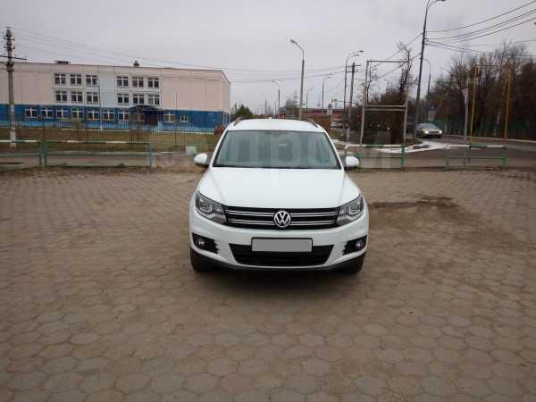 Volkswagen Tiguan, 2015 год, 1 040 000 руб.
