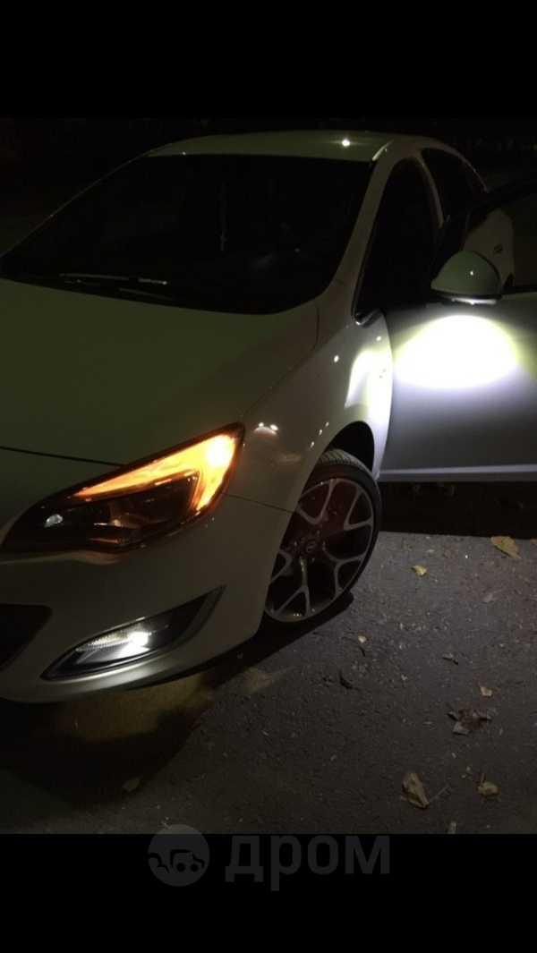 Opel Astra, 2013 год, 645 000 руб.
