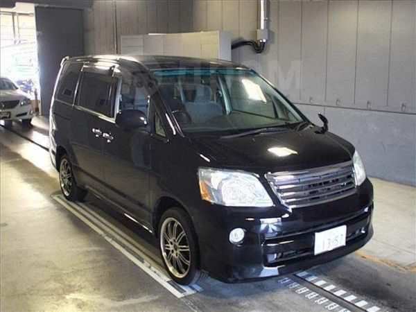 Toyota Noah, 2007 год, 245 000 руб.