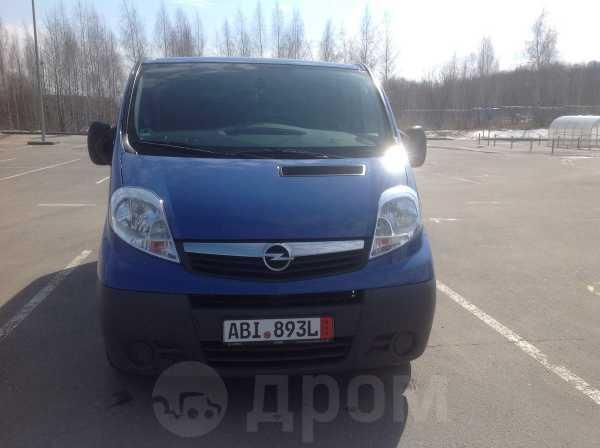 Opel Vivaro, 2011 год, 888 000 руб.