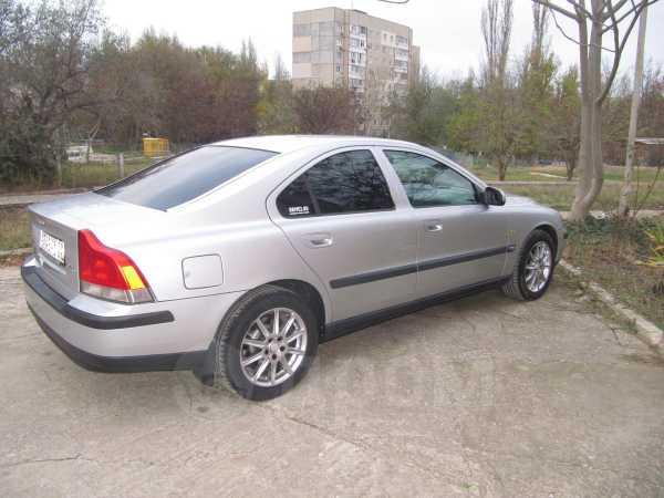 Volvo S60, 2000 год, 260 000 руб.