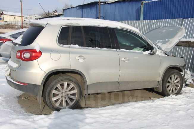 Volkswagen Tiguan, 2010 год, 390 000 руб.