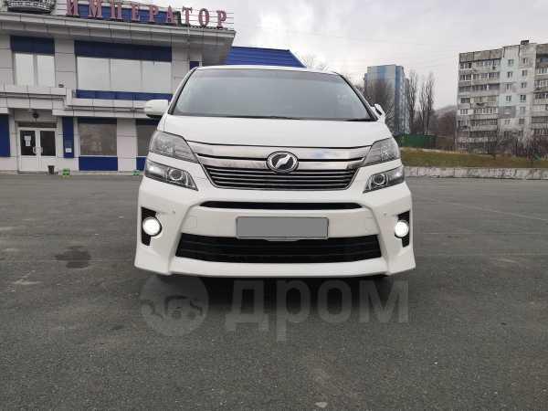 Toyota Vellfire, 2013 год, 1 810 000 руб.