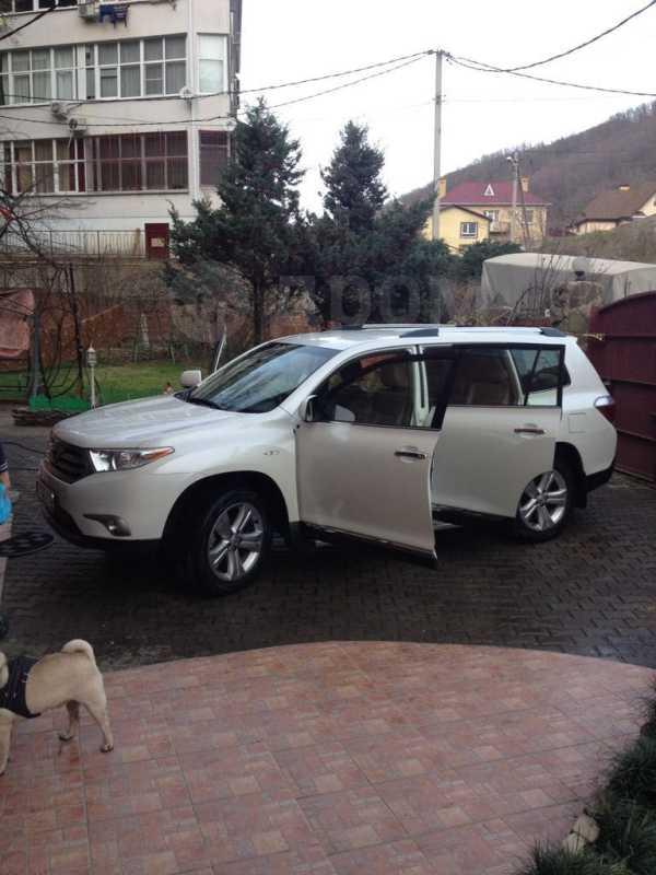 Toyota Highlander, 2013 год, 1 450 000 руб.