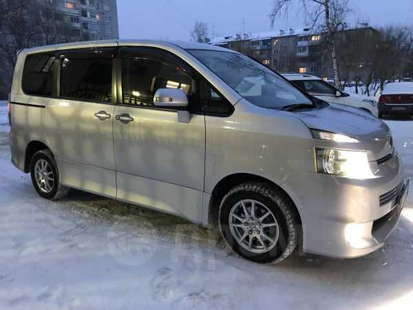 Toyota Voxy, 2009 год, 450 000 руб.