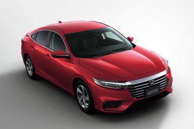 В Японии стартовали продажи новой Honda Insight
