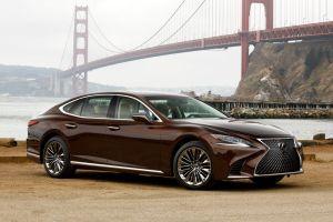 Глохнут на светофорах: Росстандарт объявил об отзыве почти 400 седанов Lexus LS 500