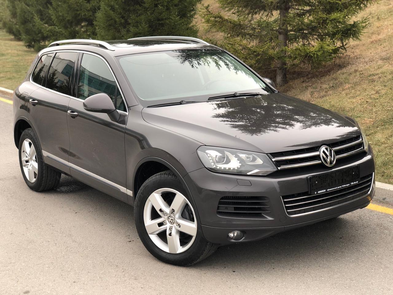 Volkswagen Touareg 2012 год, 3 литра, Долго выбирал б/у авто до этого ездил  на киа сид 2008 и 2013 г, расход 8.0, полный привод, акпп