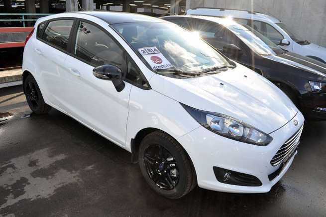 Ford Fiesta, 2018 год, 976 000 руб.