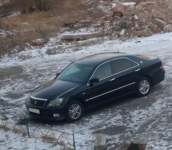 Toyota Crown, 2004 год, 635 000 руб.