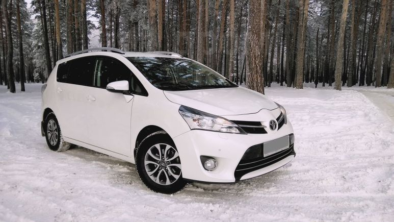 Toyota Verso, 2013 год, 945 000 руб.