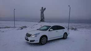 Кызыл Nissan Teana 2012