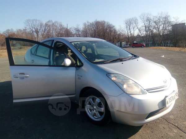 Toyota Prius, 2011 год, 587 000 руб.