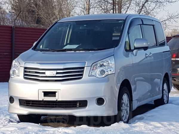 Toyota Noah, 2013 год, 1 049 000 руб.