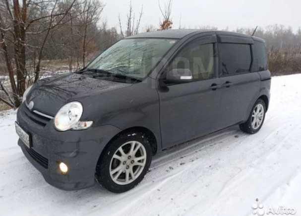 Toyota Sienta, 2015 год, 670 000 руб.