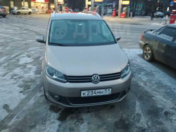 Volkswagen Touran, 2012 год, 660 000 руб.