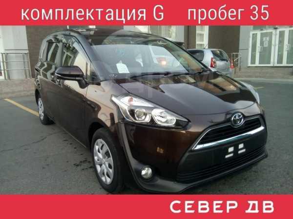Toyota Sienta, 2015 год, 870 000 руб.