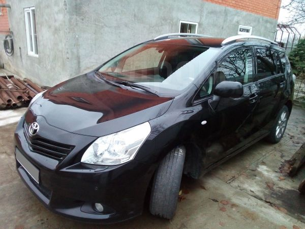 Toyota Verso, 2012 год, 800 000 руб.