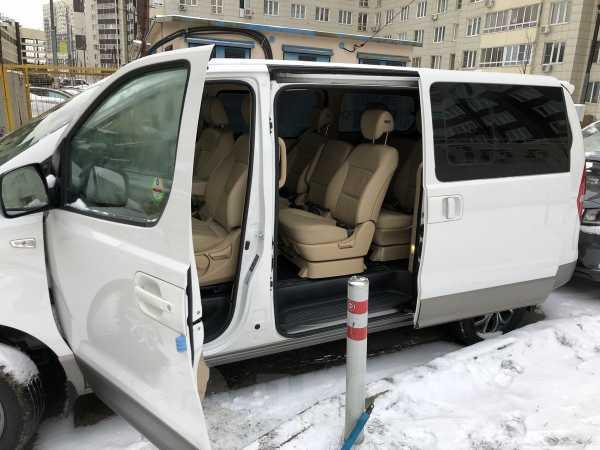 Hyundai Grand Starex, 2017 год, 2 190 000 руб.