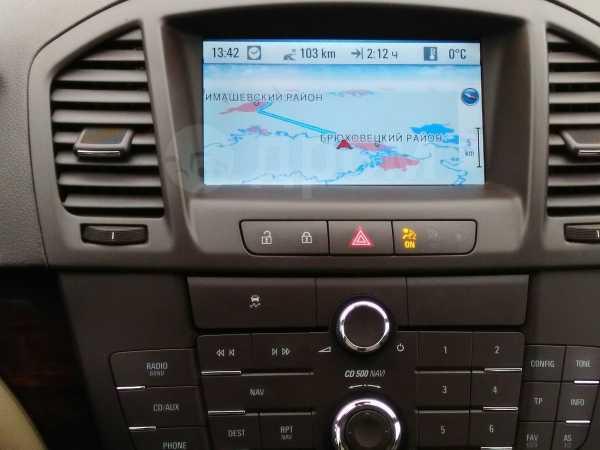 Opel Insignia, 2011 год, 130 000 руб.