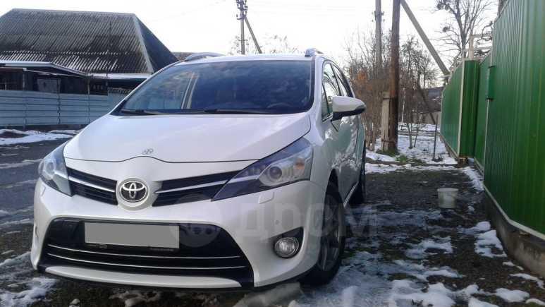 Toyota Verso, 2013 год, 910 000 руб.