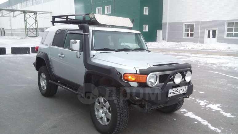 Toyota FJ Cruiser, 2006 год, 1 800 000 руб.