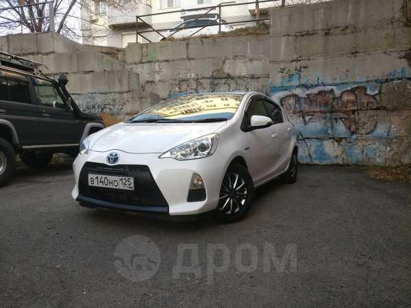 Toyota Aqua, 2013 год, 590 000 руб.