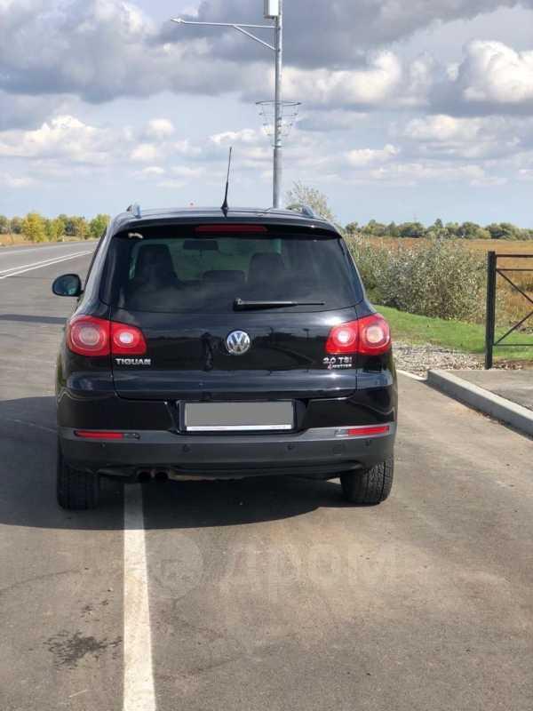 Volkswagen Tiguan, 2011 год, 645 000 руб.