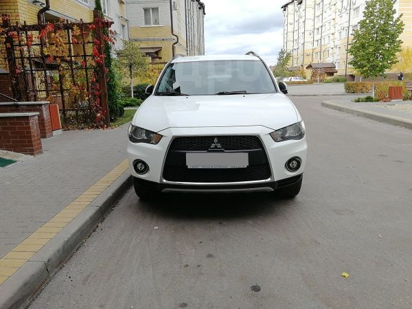 Mitsubishi Outlander, 2011 год, 818 000 руб.