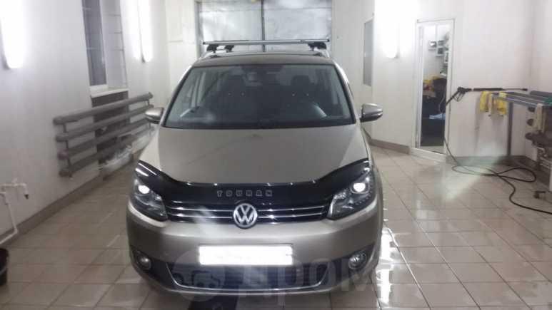 Volkswagen Touran, 2012 год, 650 000 руб.