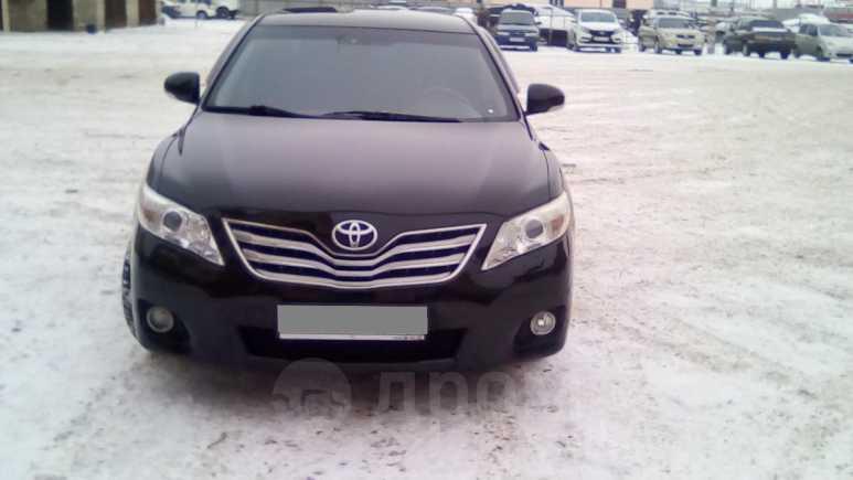 Toyota Camry, 2011 год, 740 000 руб.