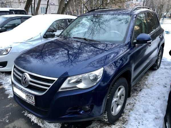 Volkswagen Tiguan, 2009 год, 490 000 руб.