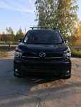 Toyota Voxy, 2012 год, 970 000 руб.
