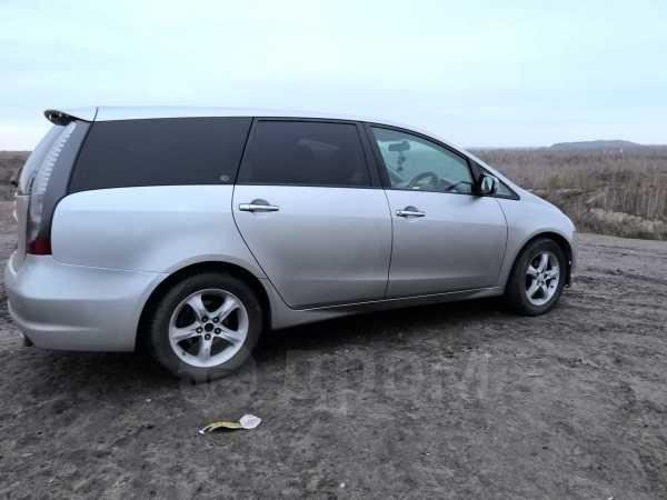 Mitsubishi Grandis, 2003 год, 385 000 руб.