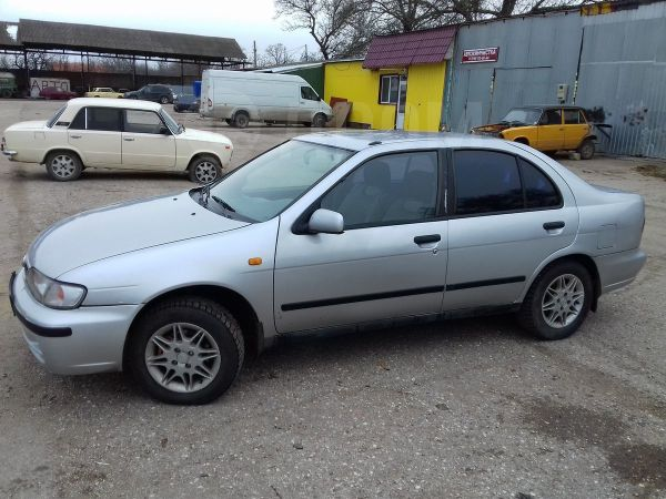 Nissan Almera, 1998 год, 125 000 руб.