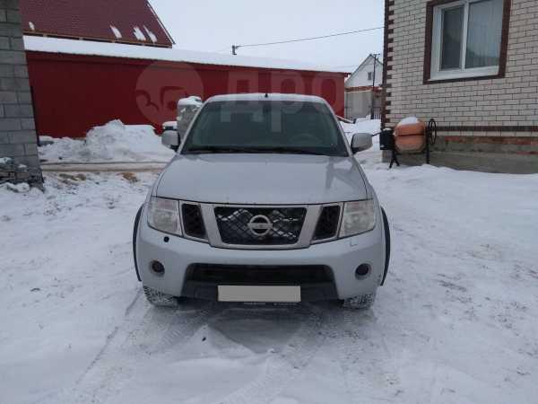 Nissan Navara, 2010 год, 650 000 руб.