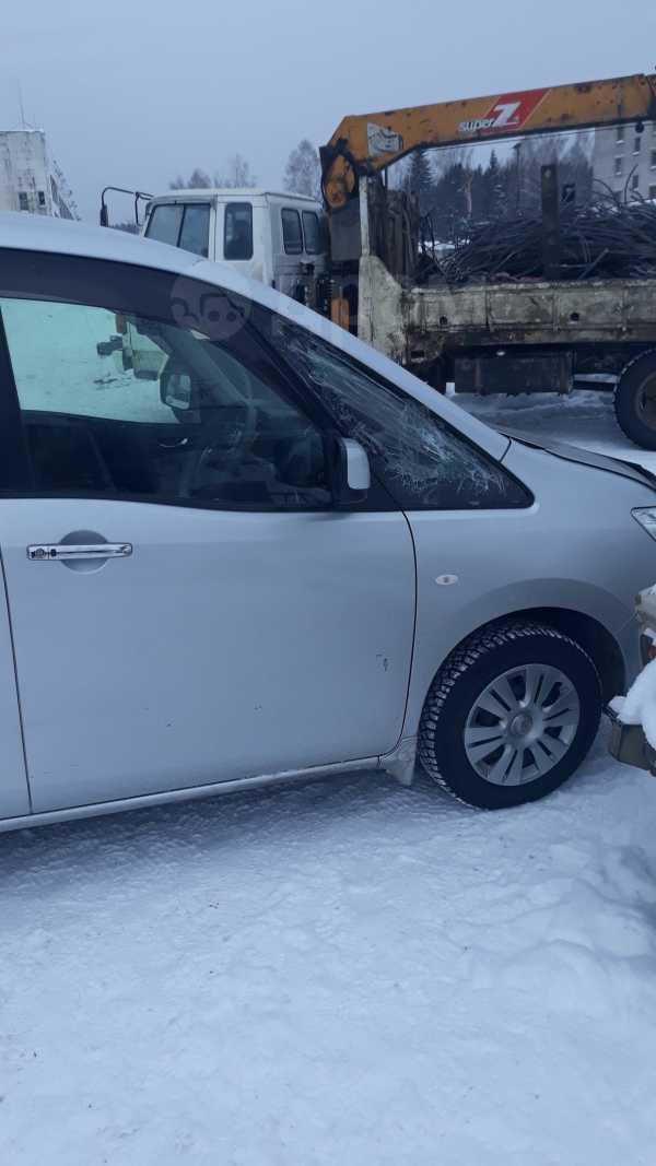 Nissan Serena, 2011 год, 700 000 руб.
