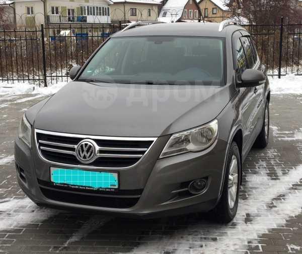 Volkswagen Tiguan, 2009 год, 640 000 руб.