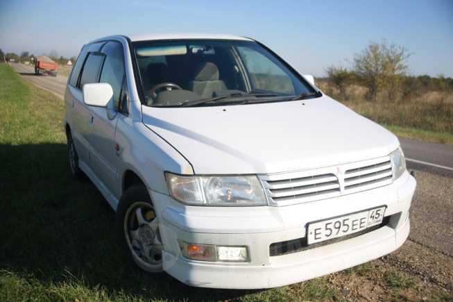 Mitsubishi Chariot Grandis, 1998 год, 245 000 руб.