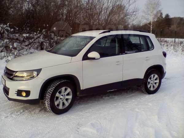 Volkswagen Tiguan, 2011 год, 499 000 руб.